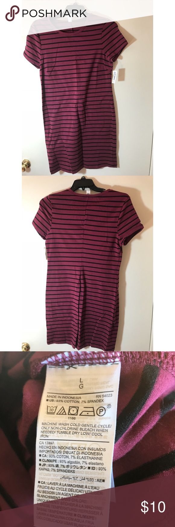 🆕 OLD NAVY Burgundy&Black Striped Bodycon Dress! Brand new. Never worn. Super flattering Bodycon dress. Old Navy Dresses Midi