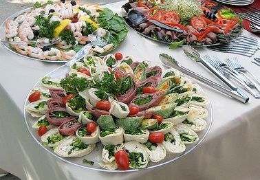 Wedding Reception Food Ideas On a Budget | major part of your wedding expenses will be the food providing food ...