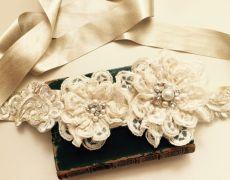 "Wedding Belt, Bridal Belt, Lace belt,Sash belt,Flowers belt ""VINTAGE FLOWER"" by Art Accessories made with love on https://www.breslo.ro/aura.angeline"