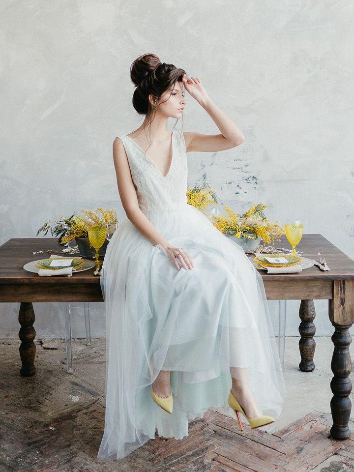 Yellow Mimosa Flowers Inspired Wedding Shoot | fabmood.com #wedding #springwedding #yellowwedding #weddinginspiration