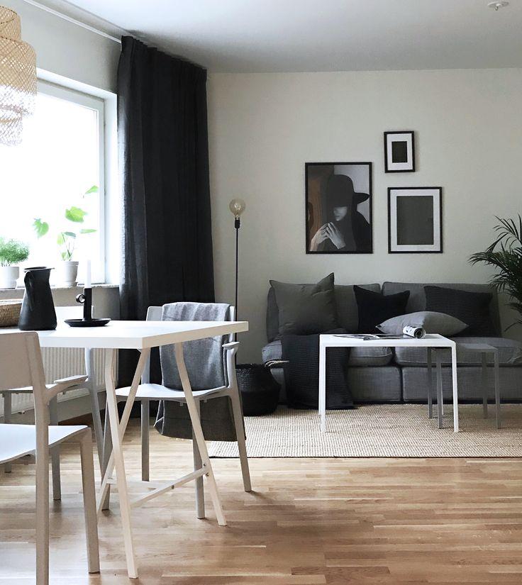 Livingroom | Fouremptywalls