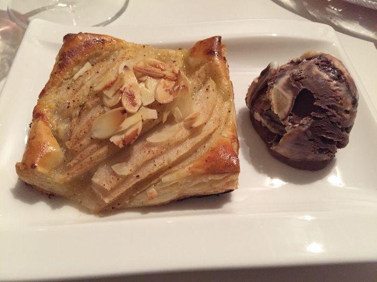 Päärynäpiirakka ja ben and jerrysiä