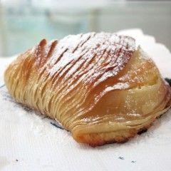 Ecco la ricetta classica delle Sfogliatelle ricce napoletane Bimby. Un mix di sapore e gusto. Per...