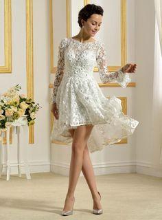 vestido de noiva manga renda. vestido de noiva manga longa. vestido de noiva casamento na praia. casamento diurno. vestido de noiva curto. vestido de noiva mullet. vestido de noiva com renda.