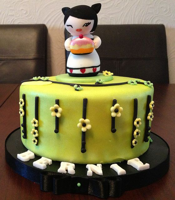 Asian doll cake decoration