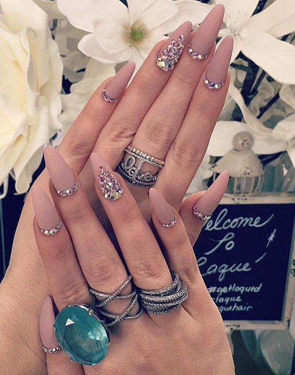 Another idea how to do your nails, in almond shape. But I must admit, rings and bracelets pretty much contribute to the appearance of your hands.