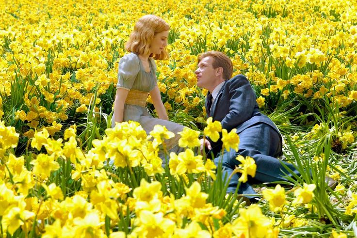 BIG FISH, Alison Lohman, Ewan McGregor, 2003 | Essential Film Stars, Ewan McGregor http://gay-themed-films.com/film-stars-ewan-mcgregor/