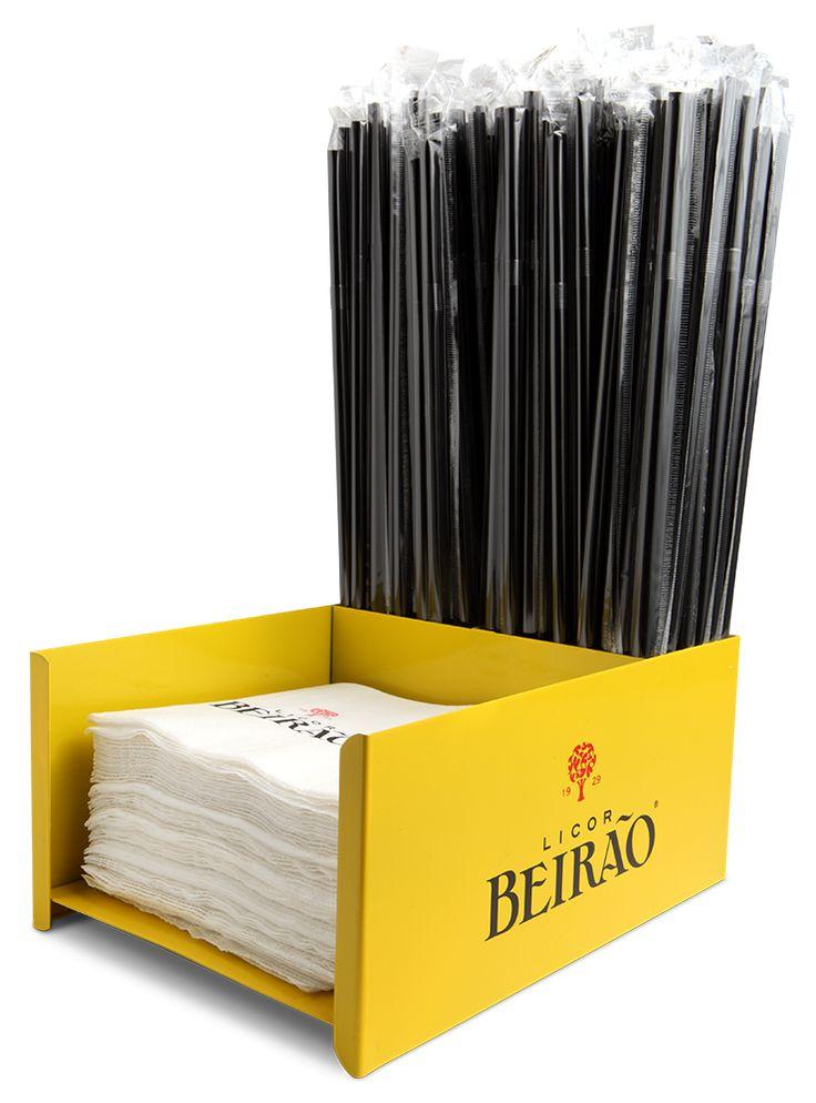 O Bar Caddy Licor Beirão, com três compartimentos, é umacessório essencial para arrumares guardanapos, palhinhas e afins eajuda-te a mantereso teu bar organi