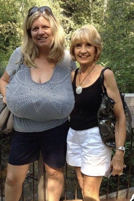 Women's comfort fit seamless minimizer bra