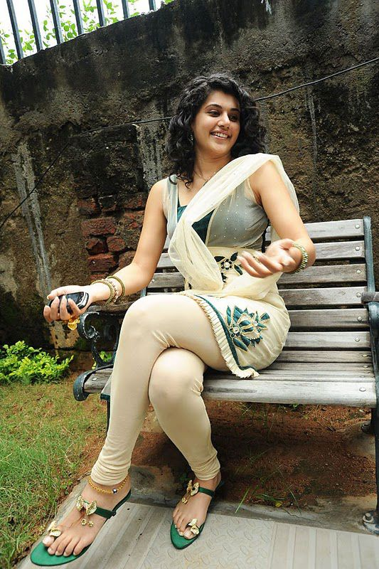 Sexy Unseen Hot Photoshoot of Taapsee Pannu