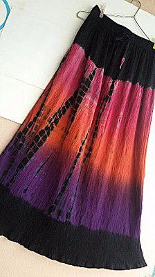 Helles-Boho, Hippie Rock!  Diese alte indische Baumwolle Rock Funktionen Krawatte Farbstoff in heißen Rosa, orange und lila Farben.  Elastisch mit Kordelzug Taille für individuelle Passform  Sehr leichtes  Weiches Baumwollfutter  In ausgezeichnetem Zustand Jahrgang  >>>>>:::::>:::::