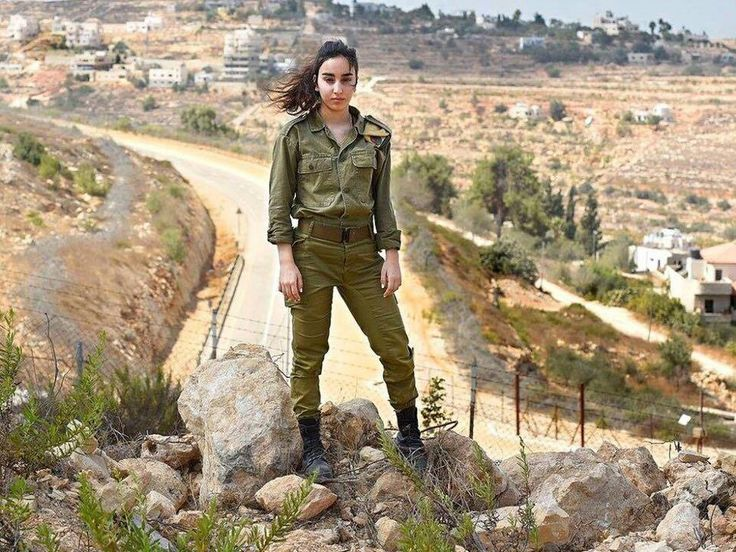 When Bar Mizrahi was on watch outside of Jerusalem she saw 2 Palestinian terrorists approaching and leapt into action.Thwarting the attack before it began. But Bar refuses to take credit for her heroism.
