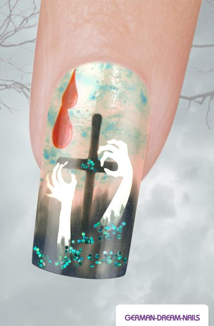 Step by Step: Spooky Halloween Nails�