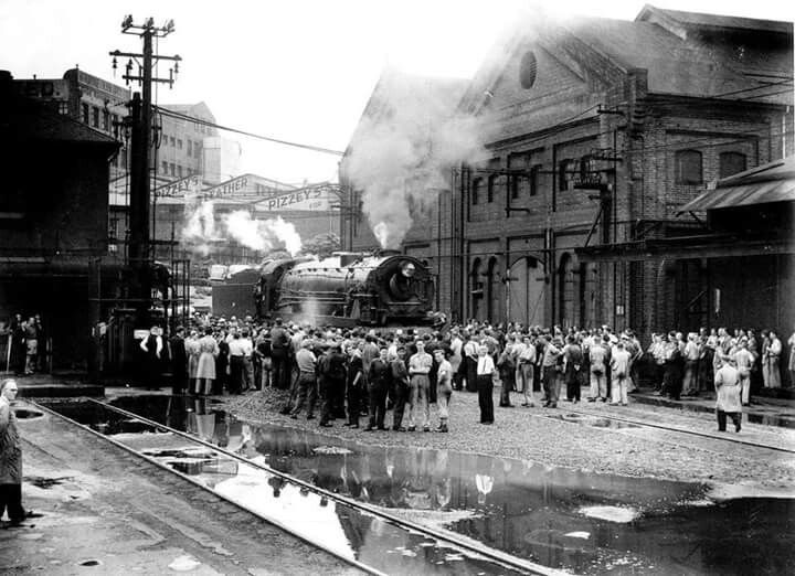 A brand new 5801 on display at Eveleigh Railway Workshops,surrounded by rail workshop staff who built it on 20 January 1950.Twenty five were planned but only 13 of the D58 class were built.Photo from Sydney Morning Herald Archives.A♥W