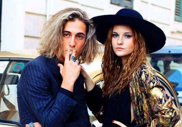 I look di Damiano e dei Maneskin - Damiano biondo con Victoria