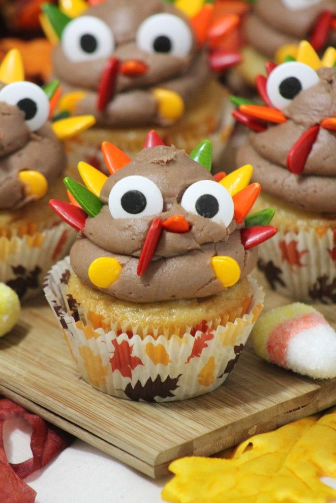 Celebrate Thanksgiving with these super cute Turkey Cupcakes! Easy to make and they taste great too!
