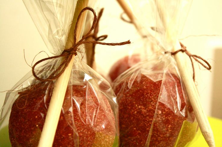 Manzanas con Chamoy- Chamoy covered apples... Delicious!!