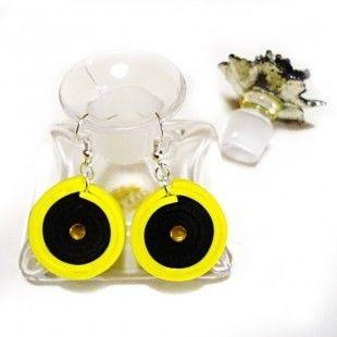 Virgola orecchini in moosgummi giallo e nero - pezzo unico