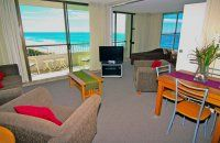 President Apartments  - Spectacular View of The Magnificent Beach - Beachfront Apartments Surfers Paradise