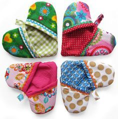 Handy Oven Mitt - the shape of a heart - sewing instructioons (dutch) but you get the idea.