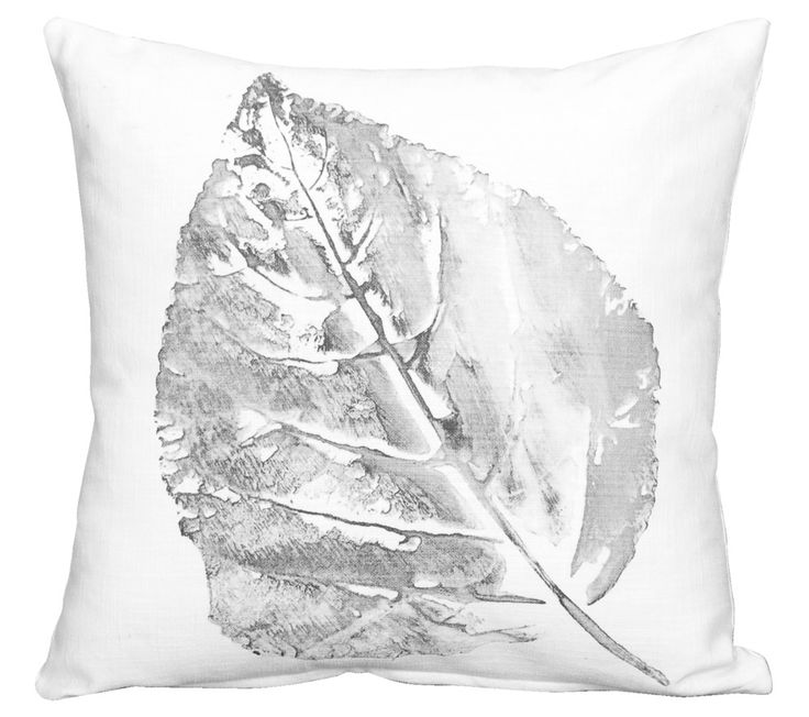 Sierkussen Leaf 101 grofgeweven katoenen sierkussen met een blad hierop geprint. Verkrijgbaar in meerdere kleuren