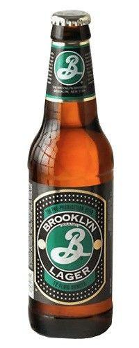 Cerveja Brooklyn Lager, estilo Vienna Lager, produzida por Brooklyn Brewery, Estados Unidos. 5.2% ABV de álcool.