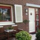 Vakkundig/professioneel schilderen van de buitenkant van het huis.