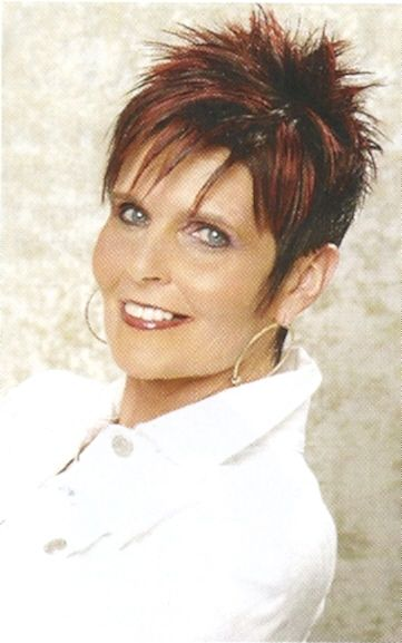 pictures of spiked haircuts for women   Over 40 Sassy Spiky Pixie Haircut Picture