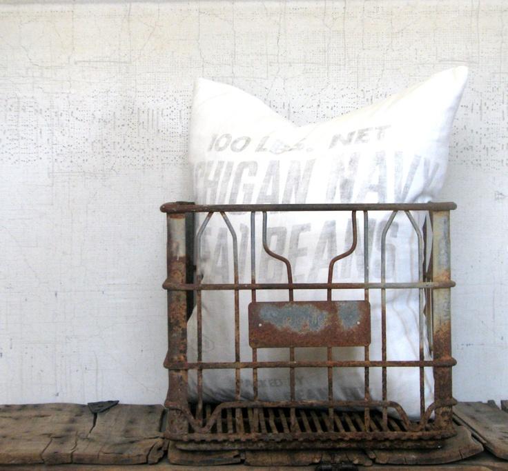 32 best milk crates images on pinterest metal milk for Decorating with milk crates
