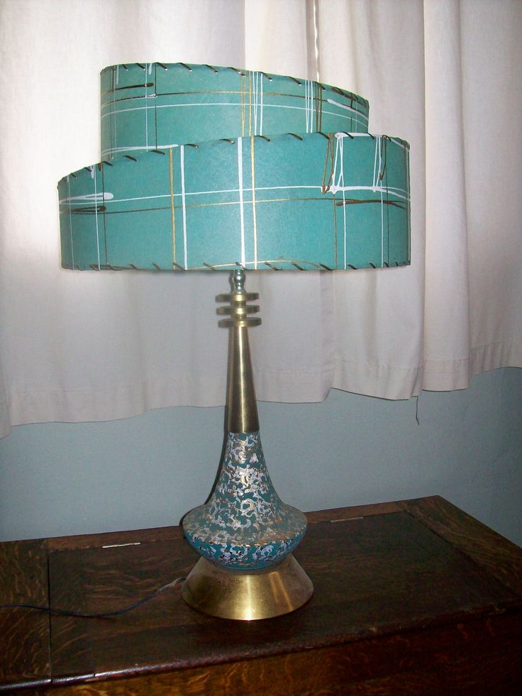 Fantastic Vintage Mid Century Modern Table Lamp Tier
