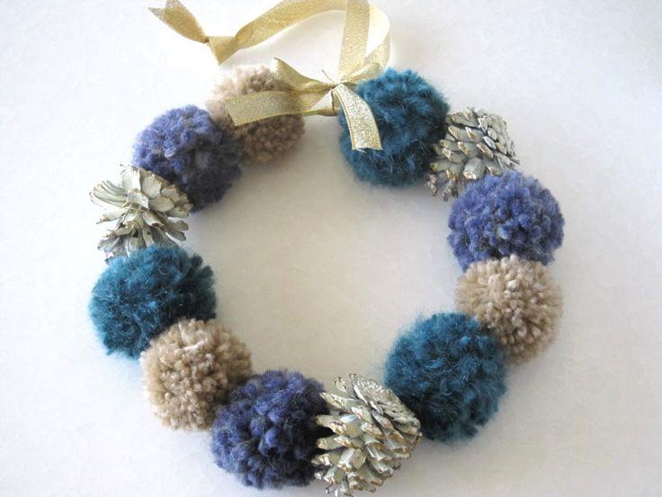 毛糸で作る「ポンポンクリスマスリース」 |ラクに!楽しく!おうちしごと