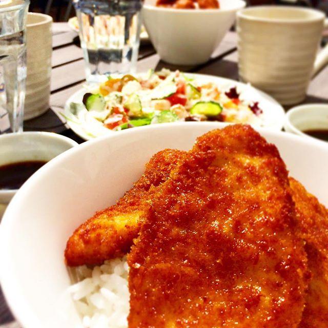 #ランチ #新潟#名物 #タレカツ丼 #鶏むね肉 #だから #ヘルシー #肉 #米 #ブランド #コシヒカリ #美味い #最高 #オススメ #やばい #‼️ #サラダ付き #スープ #セット #リゾートダイニング #アラジン
