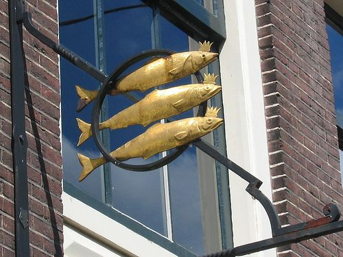 House of the Three Gilded Herrings, built in 1575 from the profit the owner made from fishing in Sweden (Skåne), in Deventer, Netherlands