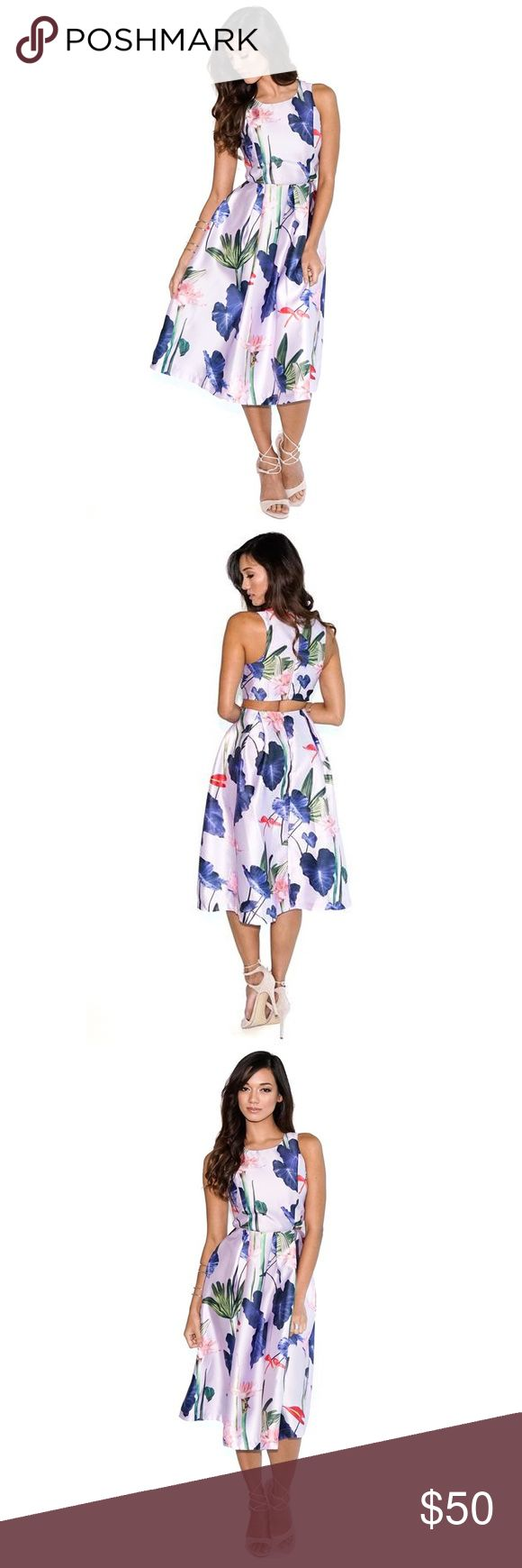▫️LAST 1▫️FLORAL MIDI DRESS We wanted to change it up this season adding more color and girly to our closet so this Floral Flared Dress was the result. Featuring a nice velvet purple tone along with a beautiful detailed floral print design all-over, a round neckline, back rectangle cut-out, midi-length and a sleeveless cut. Pair it with a open heel and brunch with the girls never looked this good.Purple / Multi-colored Floral / Tropic Print  Halter/Round Neckline Sleeveless Back cut-out 100%…