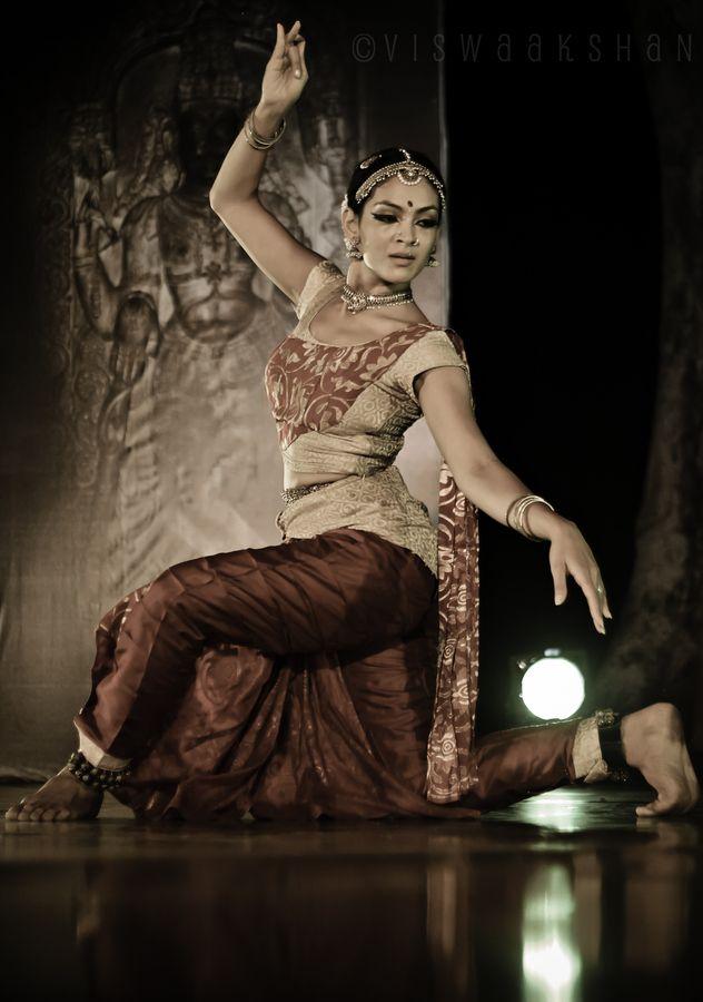 Grace, by Viswaakshan Iyer, via 500px gorgeous inoan dancer in traditional pose