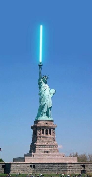 Star Wars Jedi Statue of Liberty: