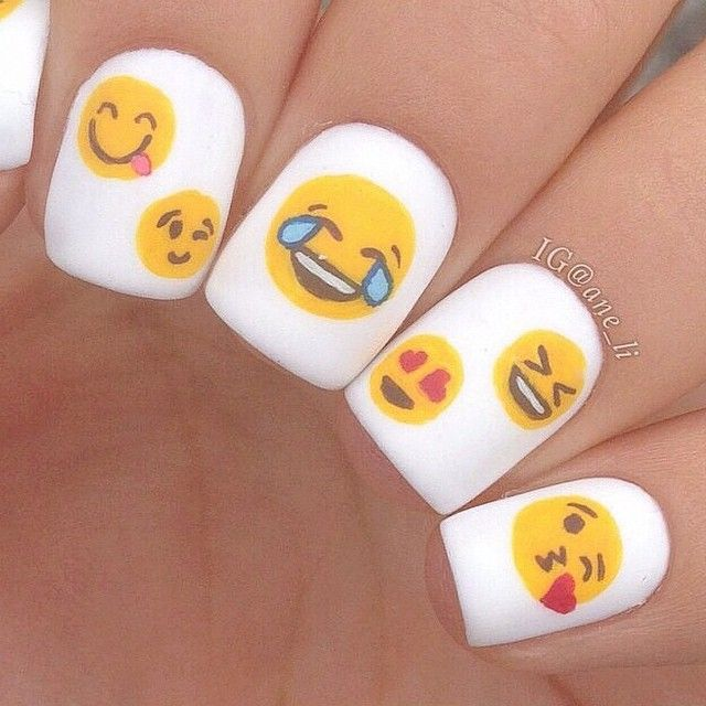 Emoji nails  C: @ane_li http://decoraciondeunas.com.mx #moda, #fashion, #nails, #like, #uñas, #trend, #style, #nice, #chic, #girls, #nailart, #inspiration, #art, #pretty, #cute, uñas decoradas,...