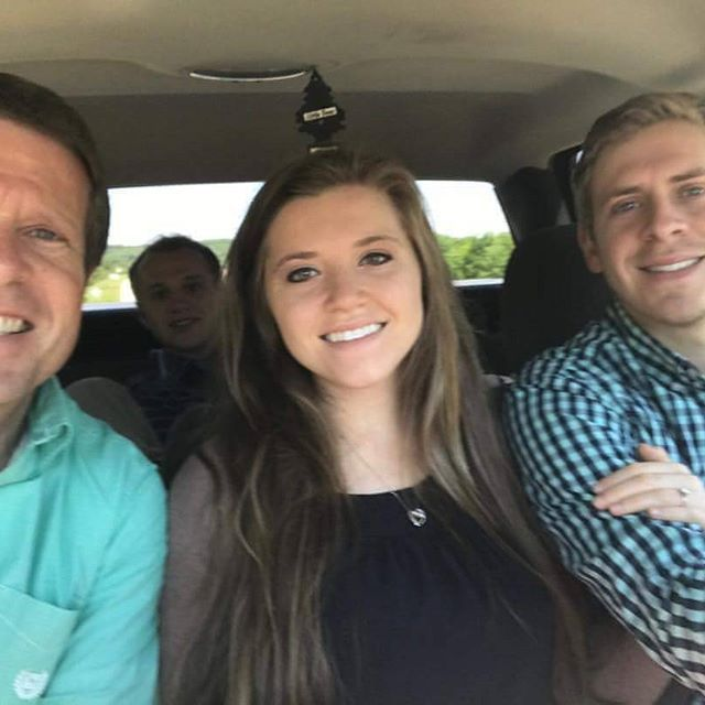 Jim Bob, Joy-Anna, and Austin had great at church time. #jimbobduggar #austinandjoyanna