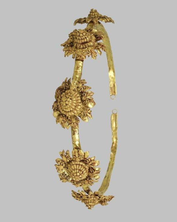 Diadem with rosettes~Greek, 3rd- 2nd Centuries B.C.