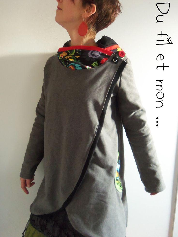 Encore une veste, gilet, poncho, comme vous voulez !   Bref, un modèle un peu grand car pas pour moi,   un cadeau cette fois, que j'au...
