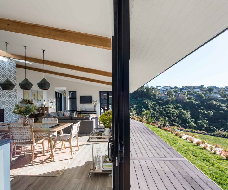 A private hilltop haven in Christchurch - Homes To Love
