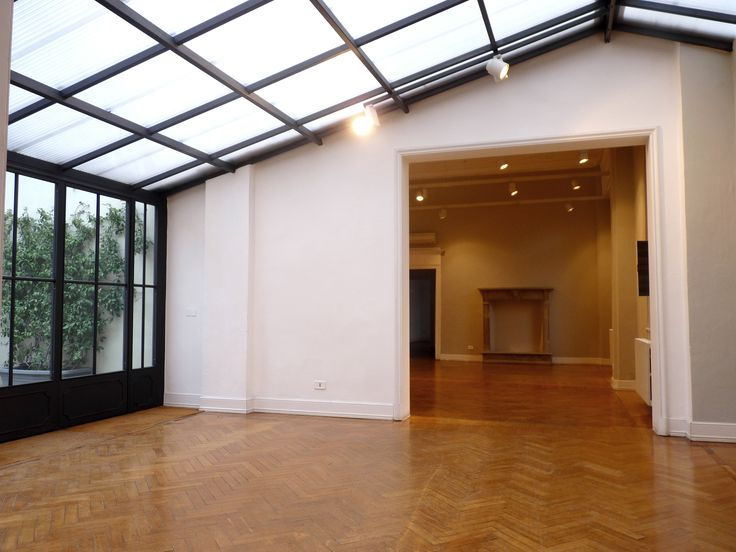 LOCATION CLOSED, VIA TORTONA 31, MILAN Location ideal to guess events and showrooms.  https://www.youtube.com/watch?v=wepzXQsh3GY