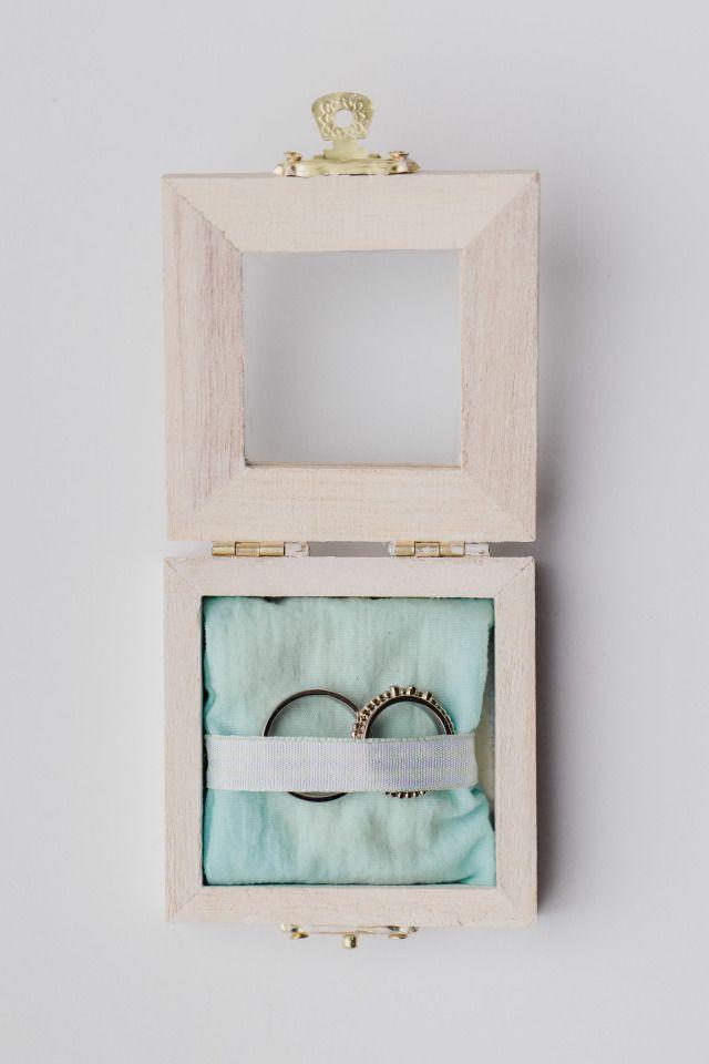 Een houten doosje voor de lovely ringen!