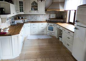 Kuchyně dubová lakovaná
