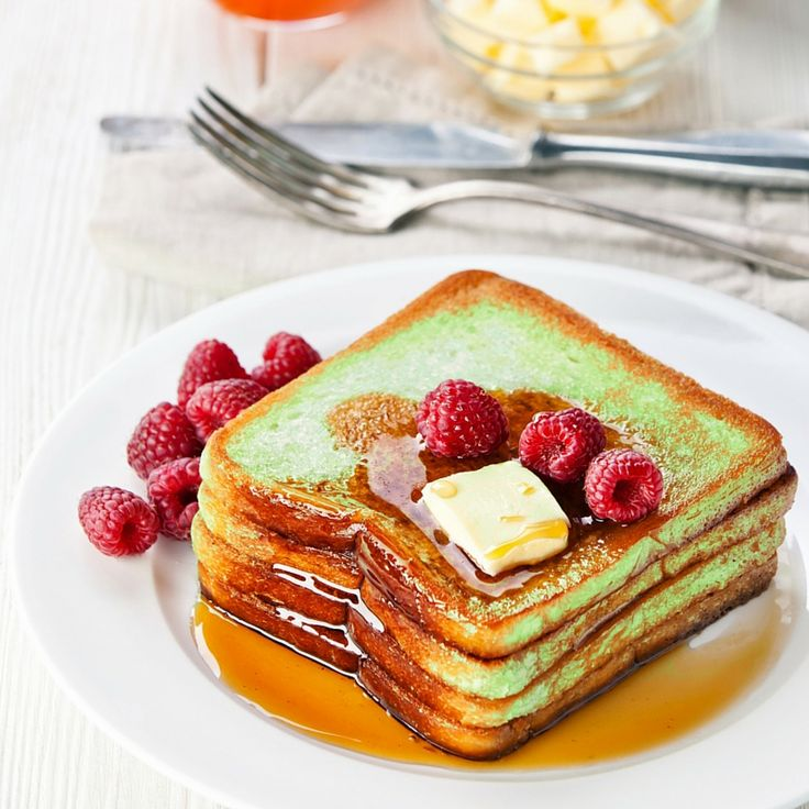 This matcha french toast is filling, delicious, and surprisingly easy to make. This sweet treat can easily be mistaken for dessert. http://epicmatcha.com/matcha-french-toast-recipe/