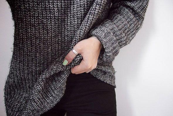 LAAT JE TRUIEN ER WEER UITZIEN ALS NIEUW – 5 TIPS ● Heb jij dat ook dat er zich op je truien van die irritante pluisjes en kleine 'bolletjes wol' gaan vormen, vooral onder de oksels en bij de ellebogen?  Met de hand al die pluisjes stuk voor stuk verwijderen, is een monnikenwerk!  Dat kan veel sneller…  Lees meer >> http://hallosunny.blogspot.nl/2015/09/truien-weer-als-nieuw.html