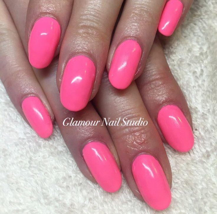 Hot pink nails! Bright for Bali  By Zara 💗