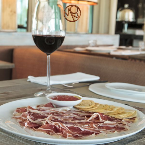 Spain, known for its wines and hams, is the origin country of the chef Ramón Freixa.
