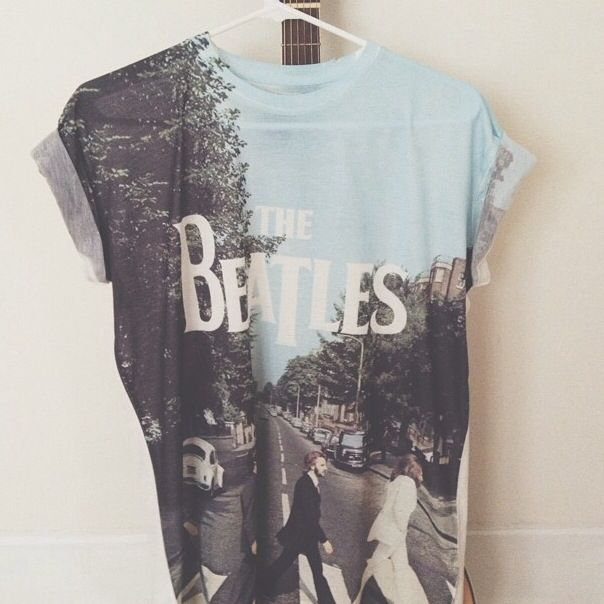 even though im not really into the beatles (I know, don't judge please) I really love this shirt