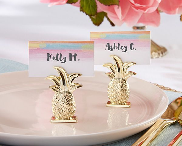 Versatile for so many special occasions, Kate Aspen's Gold Pineapple Place Card Holder will look great on guest tables or on the buffet at your Hawaiian inspired event.